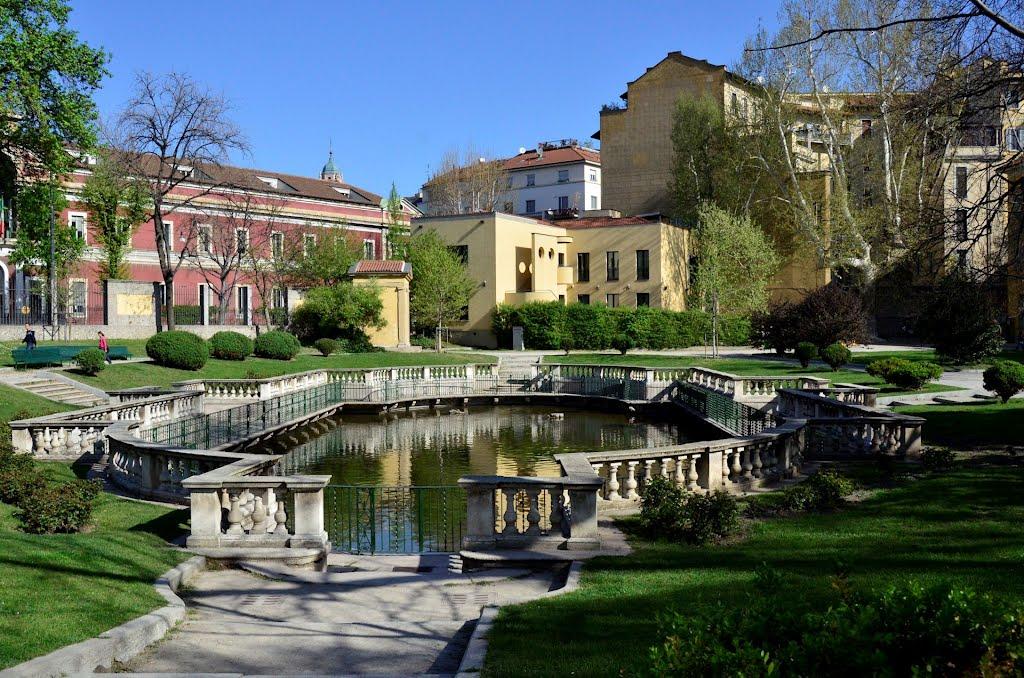 Alla scoperta del giardino della guastalla properties for Via giardini milano