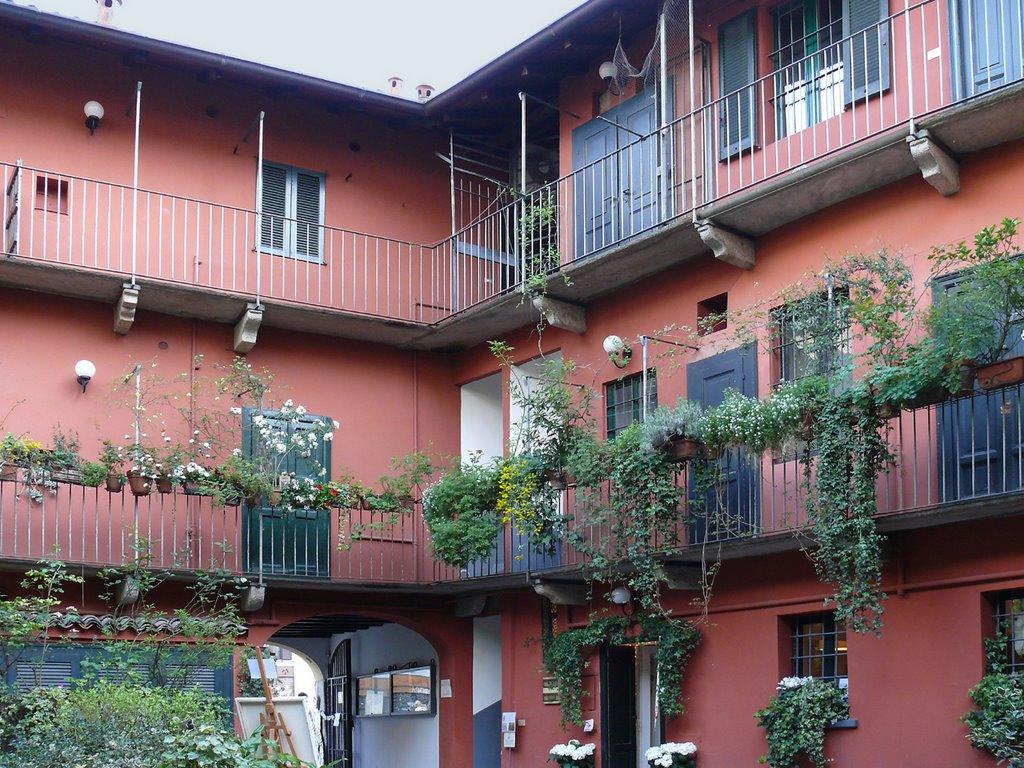 Il fascino della ringhiera properties life for Disegni di case in vendita