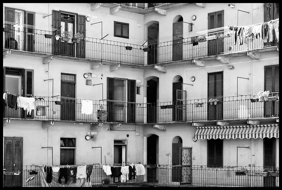 Amarcord le case di ringhiera properties life for Piani casa su due piani degli anni 60